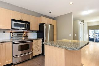 Photo 7: 145 15168 36 AVENUE in South Surrey White Rock: Home for sale : MLS®# R2325399