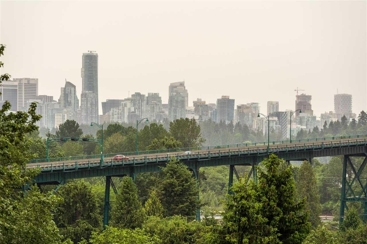 Photo 12: Photos: 10A 338 TAYLOR WAY in West Vancouver: Park Royal Condo for sale : MLS®# R2463301