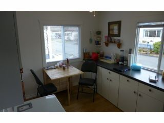 """Photo 5: 112 3300 HORN Street in Abbotsford: Central Abbotsford Manufactured Home for sale in """"Georgia Park"""" : MLS®# F1401893"""