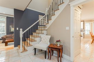 """Photo 2: 34918 EVERSON Place in Abbotsford: Abbotsford East House for sale in """"Everett Estates"""" : MLS®# R2436464"""