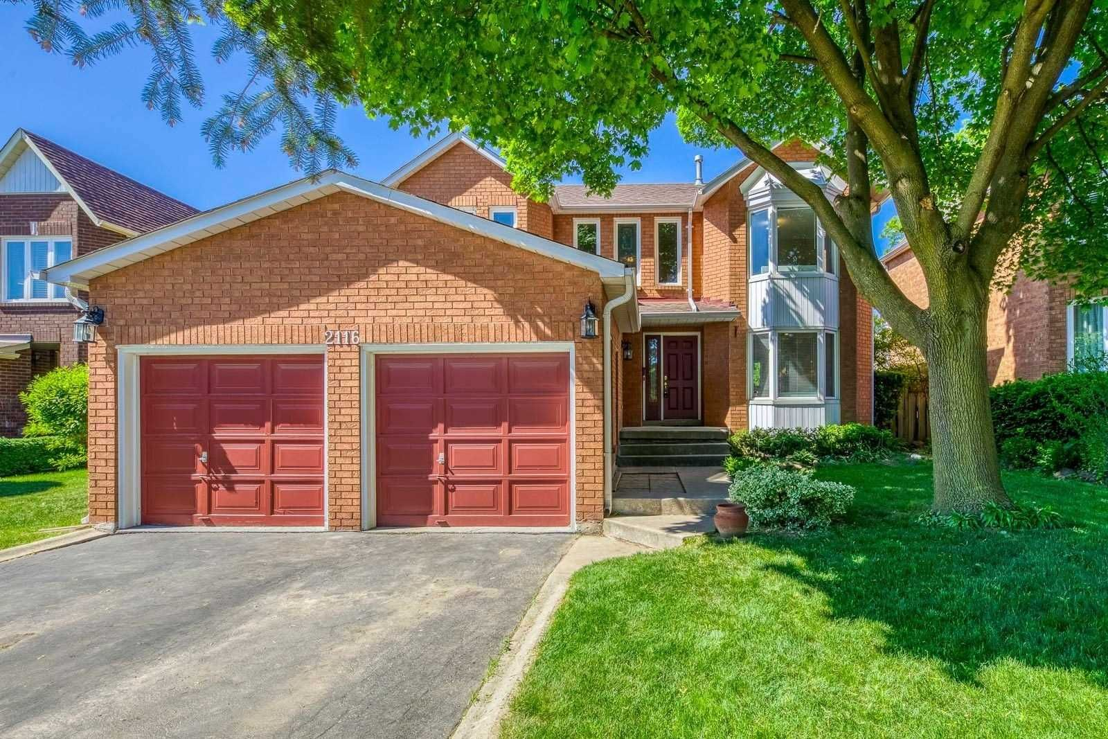 Main Photo: 2116 Eighth Line in Oakville: Iroquois Ridge North House (2-Storey) for sale : MLS®# W5251973