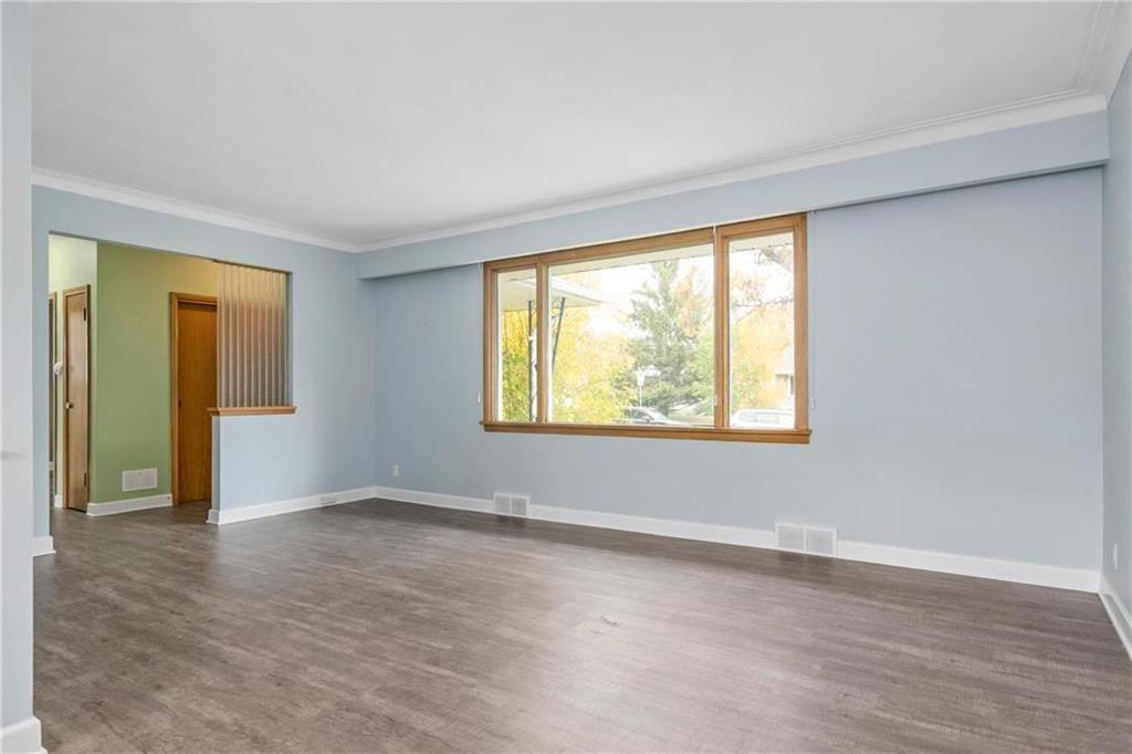 Photo 4: Photos: 9 Kenneth Street in Winnipeg: East Fort Garry Residential for sale (1J)  : MLS®# 202024668