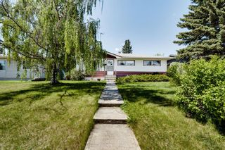 Main Photo: 73 Galway Crescent SW in Calgary: Glamorgan Detached for sale : MLS®# A1116247