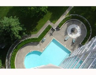 "Photo 10: 1402 9603 MANCHESTER Drive in Burnaby: Cariboo Condo for sale in ""Strathmore Towers"" (Burnaby North)  : MLS®# V715077"
