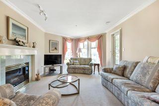 "Photo 5: 311 15350 19A Avenue in Surrey: King George Corridor Condo for sale in ""Stratford Gardens"" (South Surrey White Rock)  : MLS®# R2376375"