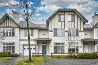 """Photo 1: 18 6465 184A Street in Surrey: Clayton Townhouse for sale in """"ROSEBURY LANE"""" (Cloverdale)  : MLS®# R2533257"""