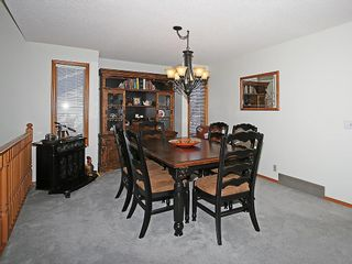 Photo 11: 359 HAWKCLIFF Way NW in Calgary: Hawkwood House for sale : MLS®# C4116388