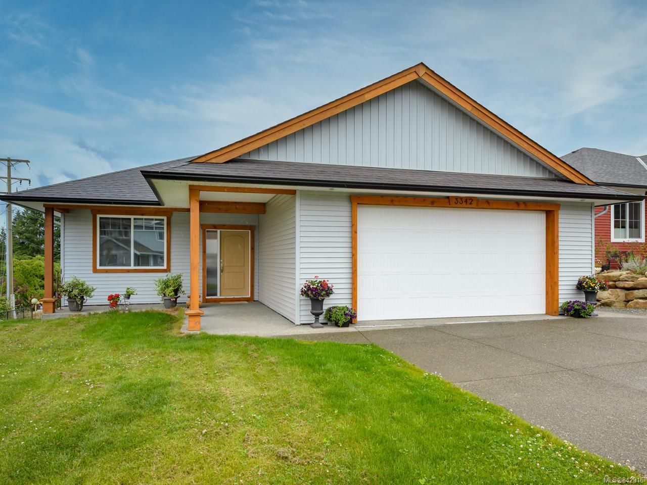 Main Photo: 3342 Solport St in CUMBERLAND: CV Cumberland House for sale (Comox Valley)  : MLS®# 842916