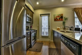 """Photo 4: 3 1135 EWEN Avenue in New Westminster: Queensborough Townhouse for sale in """"ENGLISH MEWS"""" : MLS®# R2133366"""