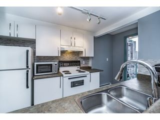 """Photo 5: 1505 907 BEACH Avenue in Vancouver: Yaletown Condo for sale in """"CORAL CRT"""" (Vancouver West)  : MLS®# R2229594"""