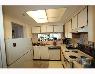 Photo 3: 707 460 WESTVIEW Street in Coquitlam: Coquitlam West Condo for sale : MLS®# V775962