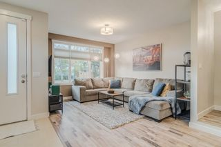 Photo 5: 502 18 Avenue NW in Calgary: Mount Pleasant Semi Detached for sale : MLS®# A1151227
