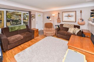Photo 21: 1729/1731 Bay St in : Vi Jubilee Full Duplex for sale (Victoria)  : MLS®# 870025