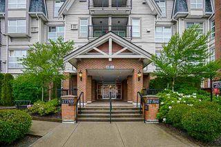 "Photo 4: 403 17769 57 Avenue in Surrey: Cloverdale BC Condo for sale in ""Clover Down Estates"" (Cloverdale)  : MLS®# R2261769"