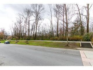 """Photo 2: 212 2357 WHYTE Avenue in Port Coquitlam: Central Pt Coquitlam Condo for sale in """"RIVERSIDE PLACE"""" : MLS®# R2043083"""