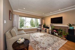 "Photo 4: 2688 HORLEY Street in Vancouver: Collingwood VE House for sale in ""NORQUAY"" (Vancouver East)  : MLS®# R2212925"