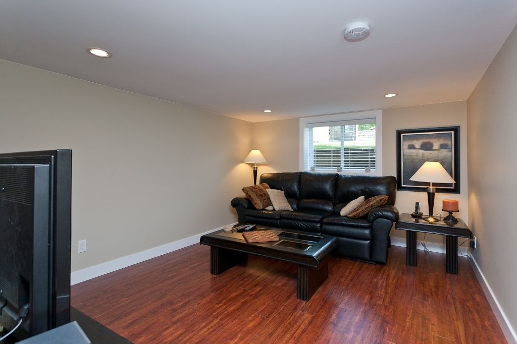 Photo 16: Photos: 369 MUNDY Street in Coquitlam: Coquitlam East House for sale : MLS®# V951722