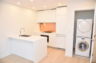"""Photo 8: 3811 1480 HOWE Street in Vancouver: Yaletown Condo for sale in """"VANCOUVER HOUSE BY WESTBANK"""" (Vancouver West)  : MLS®# R2543232"""