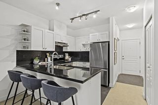 """Photo 7: 426 4550 FRASER Street in Vancouver: Fraser VE Condo for sale in """"Century"""" (Vancouver East)  : MLS®# R2429974"""