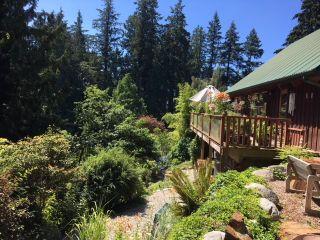 Photo 2: 2595 SYLVAN Drive: Roberts Creek House for sale (Sunshine Coast)  : MLS®# R2481642