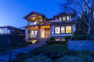 Photo 3: 2145 KINGS Avenue in West Vancouver: Dundarave House for sale : MLS®# R2605660