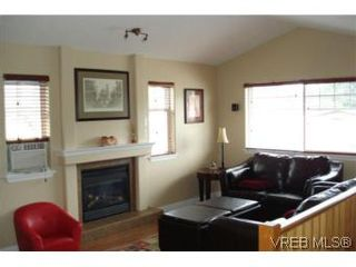 Photo 2: 959 Bray Ave in VICTORIA: La Langford Proper House for sale (Langford)  : MLS®# 507177