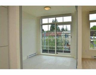 """Photo 5: 308 4355 W 10TH Avenue in Vancouver: Point Grey Condo for sale in """"IRON & WHYTE"""" (Vancouver West)  : MLS®# V954621"""