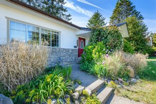 Photo 11: 2223 Strathcona Cres in : CV Comox (Town of) House for sale (Comox Valley)  : MLS®# 876806