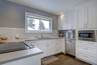 Photo 9: 33 Wakefield Drive SW in Calgary: Westgate Detached for sale : MLS®# A1070193