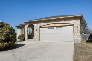 Photo 1: 30 Apple Hill Road in Winnipeg: Fort Whyte Residential for sale (1P)  : MLS®# 202107819