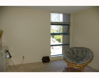 """Photo 8: 701 98 10TH Street in New_Westminster: Downtown NW Condo for sale in """"PLAZA POINTE"""" (New Westminster)  : MLS®# V774706"""