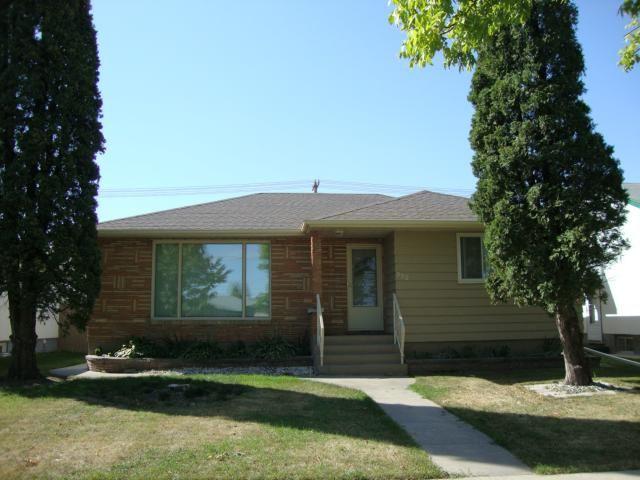 Main Photo: 952 ATLANTIC Avenue in WINNIPEG: North End Residential for sale (North West Winnipeg)  : MLS®# 1219031