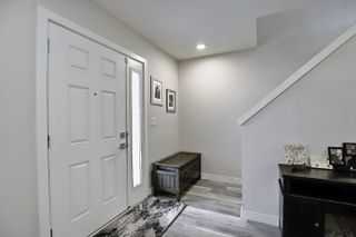 Photo 3: 1 1023 173 Street in Edmonton: Zone 56 Townhouse for sale : MLS®# E4246751