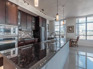 """Photo 5: 2101 1 RENAISSANCE Square in New Westminster: Quay Condo for sale in """"The Q"""" : MLS®# R2594714"""