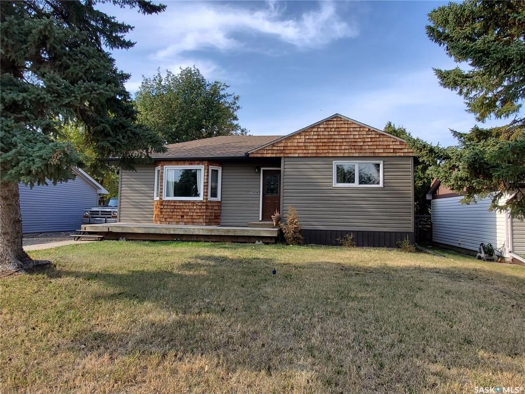 Main Photo: 1434 Nicholson Road in Estevan: Pleasantdale Residential for sale : MLS®# SK870586