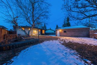 Photo 2: 7715 34 Avenue NW in Calgary: Bowness Detached for sale : MLS®# A1086301