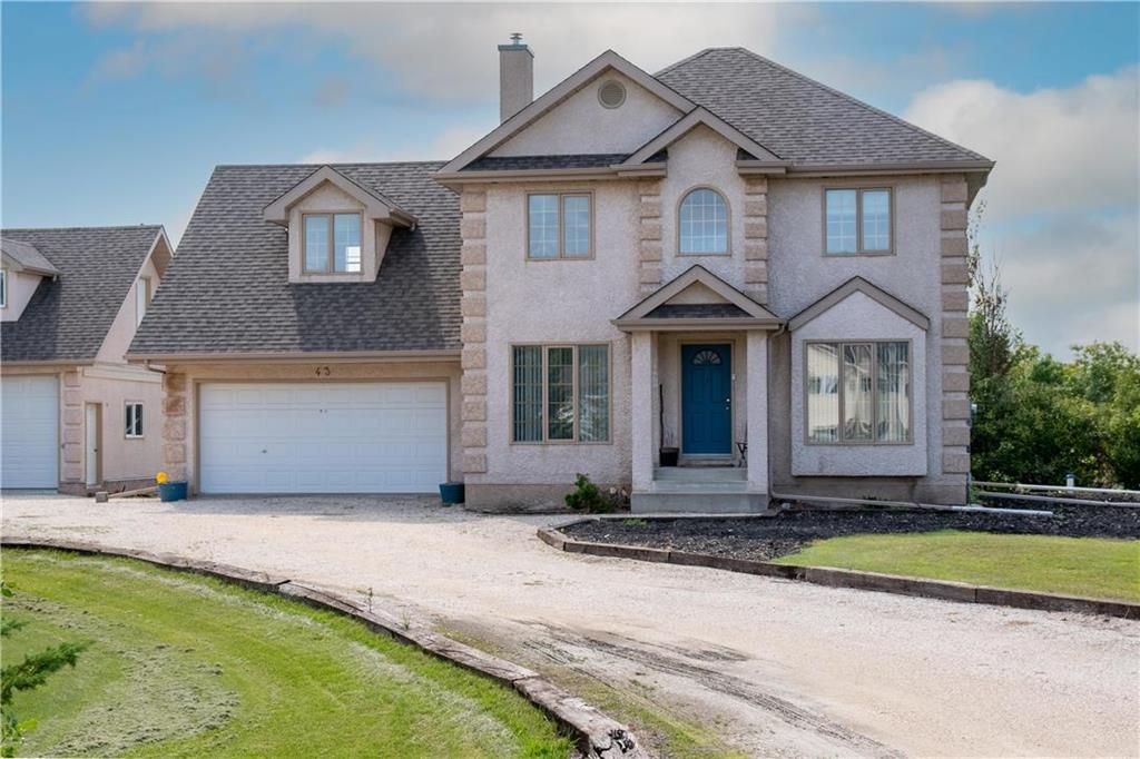 Main Photo: 43 Parish Bay in St Andrews: R13 Residential for sale : MLS®# 202121636