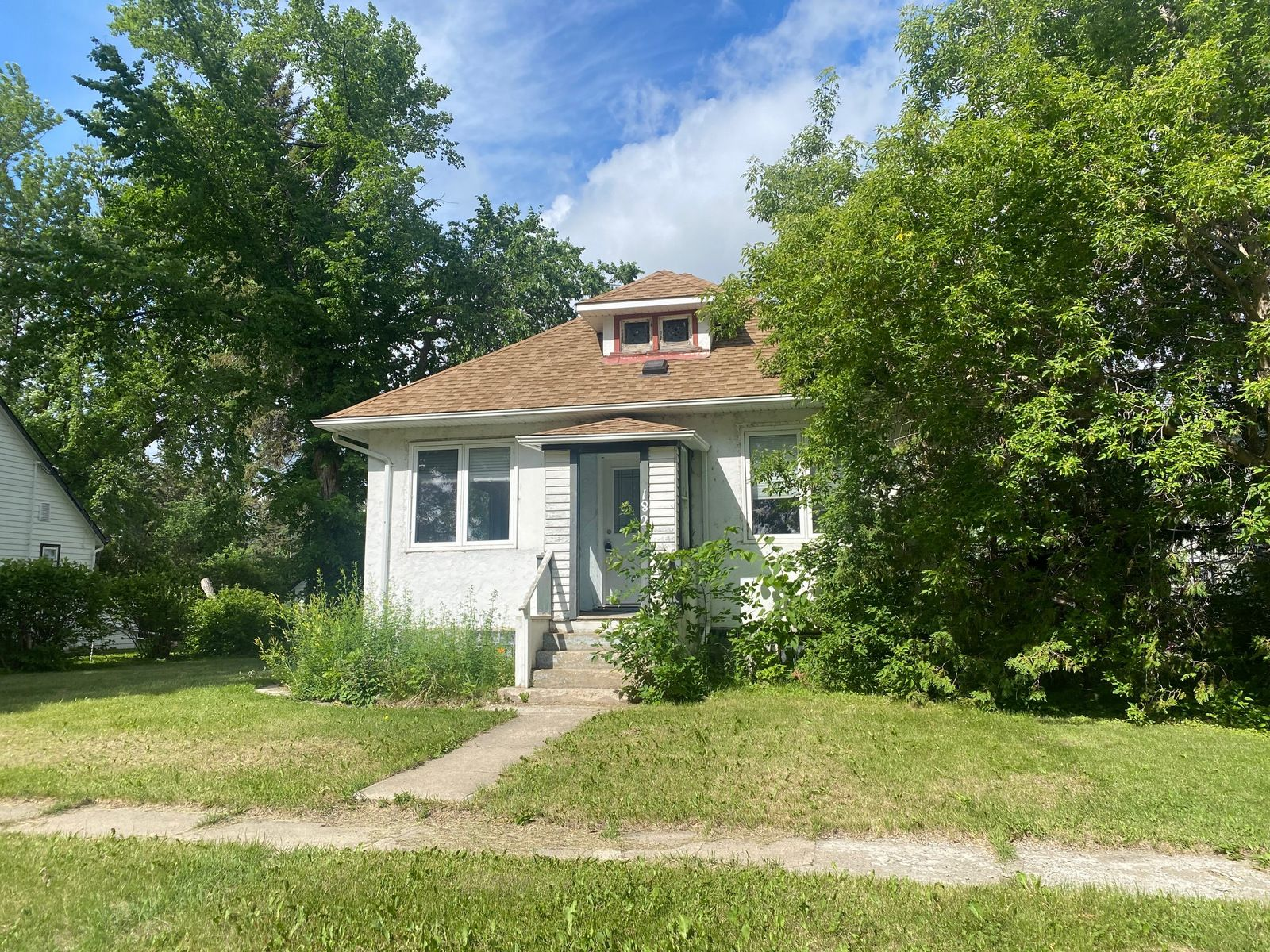 Main Photo: 182 Griffin Street in Treherne: House for sale : MLS®# 202109680