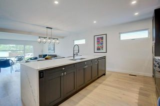 Photo 13: 32 Kirby Place SW in Calgary: Kingsland Detached for sale : MLS®# A1143967