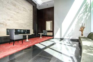 """Photo 3: 1907 833 HOMER Street in Vancouver: Downtown VW Condo for sale in """"ATELIER"""" (Vancouver West)  : MLS®# R2067914"""