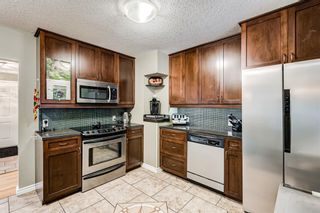 Photo 7: 82 Thornlee Crescent NW in Calgary: Thorncliffe Detached for sale : MLS®# A1146440