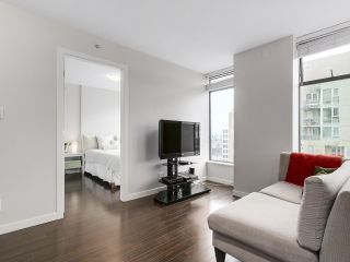 """Photo 4: 1001 1068 W BROADWAY in Vancouver: Fairview VW Condo for sale in """"The Zone"""" (Vancouver West)  : MLS®# R2148292"""