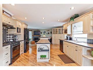 """Photo 3: 35472 STRATHCONA Court in Abbotsford: Abbotsford East House for sale in """"McKinley Heights"""" : MLS®# R2448464"""