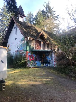 """Photo 2: 12856 HARBOUR VIEW Road in Madeira Park: Pender Harbour Egmont House for sale in """"MADEIRA PARK"""" (Sunshine Coast)  : MLS®# R2440600"""
