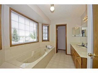 Photo 10: 78 SANDRINGHAM Way NW in CALGARY: Sandstone Residential Detached Single Family for sale (Calgary)