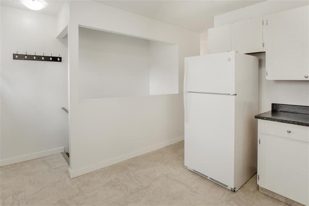 Photo 8: Photos: 31 Lamirande Place in Winnipeg: Richmond Lakes Residential for sale (1Q)  : MLS®# 202119515
