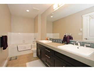 """Photo 17: 62 21867 50TH Avenue in Langley: Murrayville Townhouse for sale in """"WINCHESTER"""" : MLS®# F1432608"""
