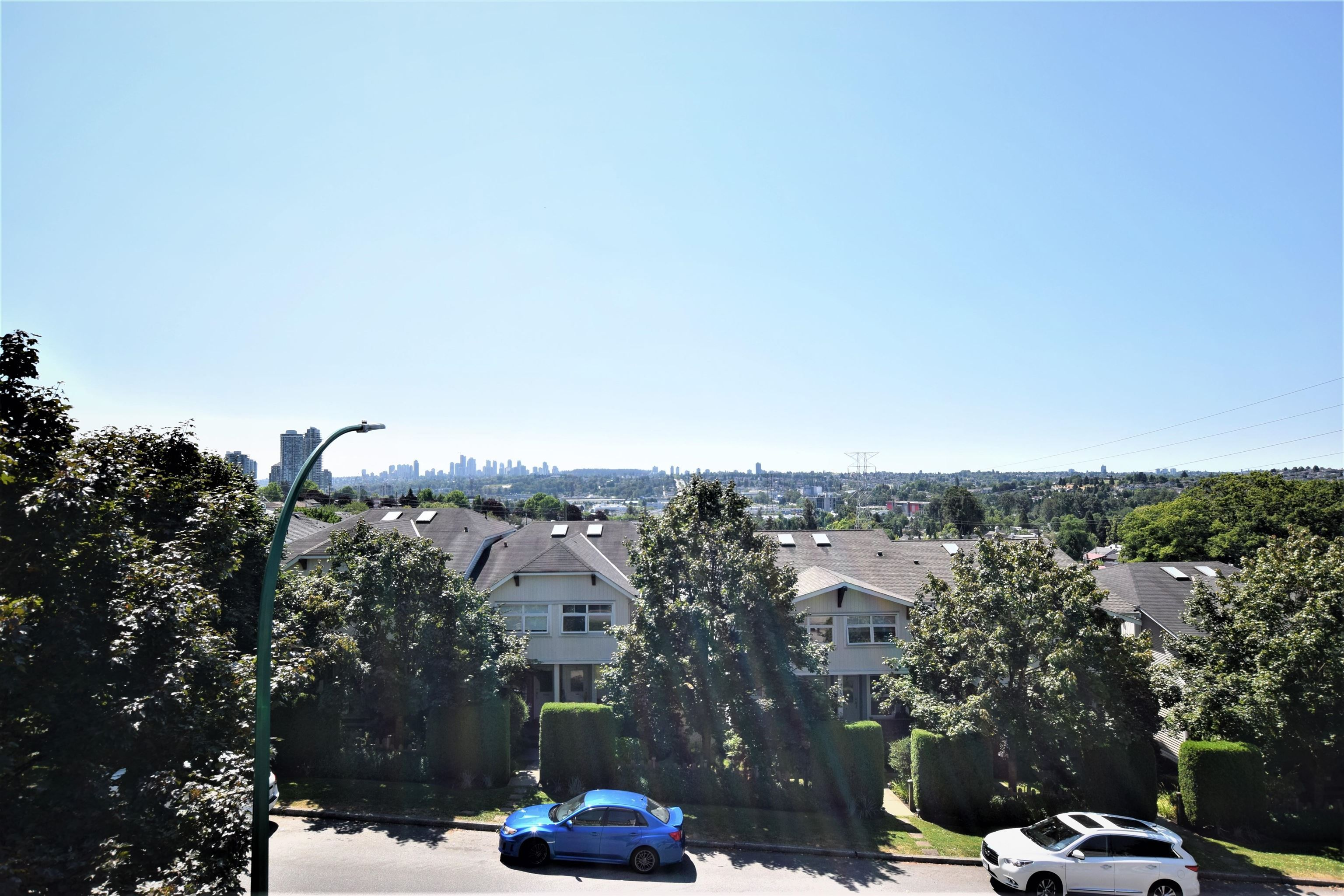 """Main Photo: 15 3737 PENDER Street in Burnaby: Willingdon Heights Townhouse for sale in """"The Twenty"""" (Burnaby North)  : MLS®# R2618046"""