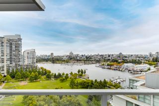 """Main Photo: 1502 638 BEACH Crescent in Vancouver: Yaletown Condo for sale in """"Icon 1"""" (Vancouver West)  : MLS®# R2619151"""