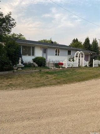 Photo 1: 115 Foster Street in Lintlaw: Residential for sale : MLS®# SK866901